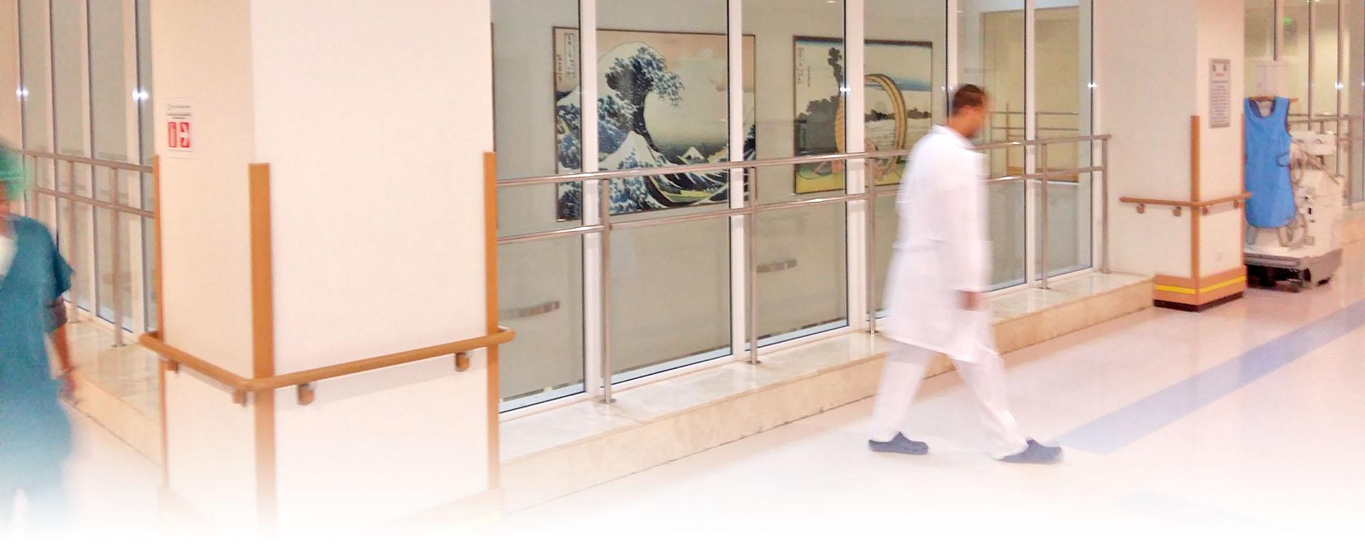 Зачервяване и подуване на рана от операция на херния
